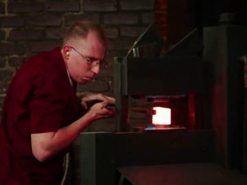 Frame 39.637663 de: La lámina de acero más resistente