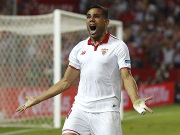 Mercado celebra su gol contra el Betis