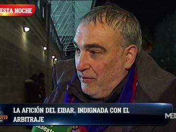 La afición del Eibar, indignada con el arbitraje