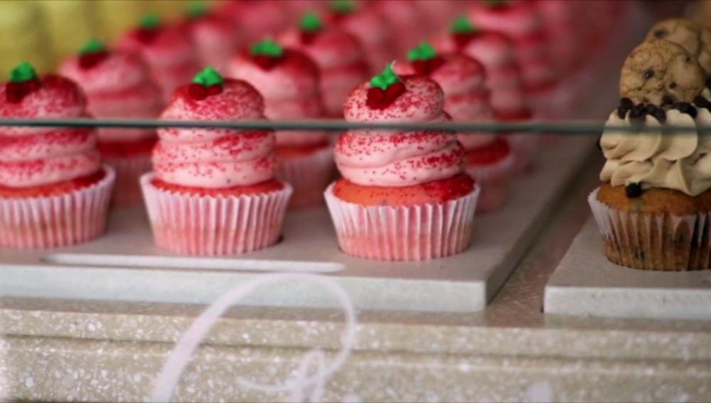 Los empleados de Gigi's Cupcakes cambian las recetas