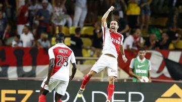 Joao Moutinho celebrando su gol ante el PSG