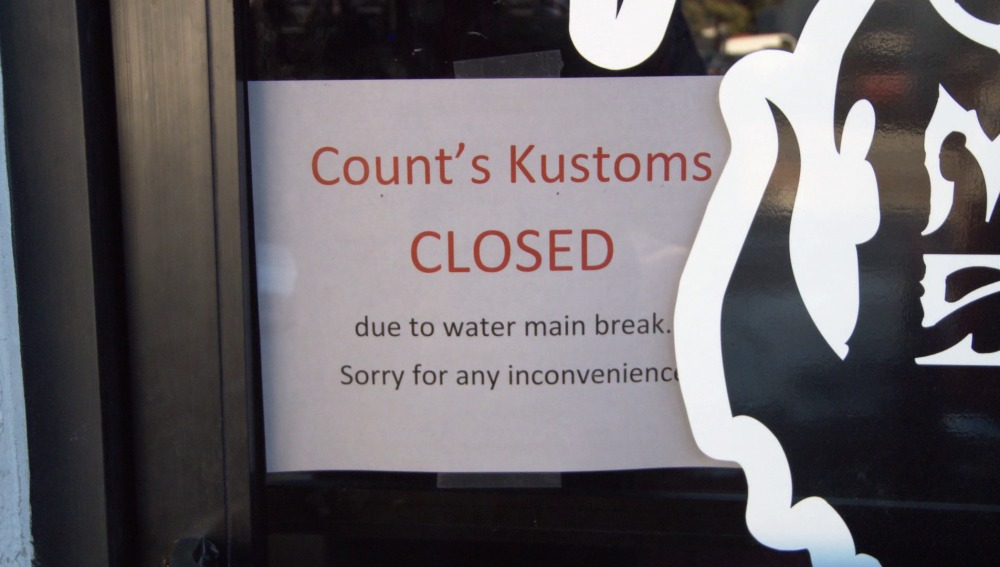 El taller de Count's Kustoms se inunda