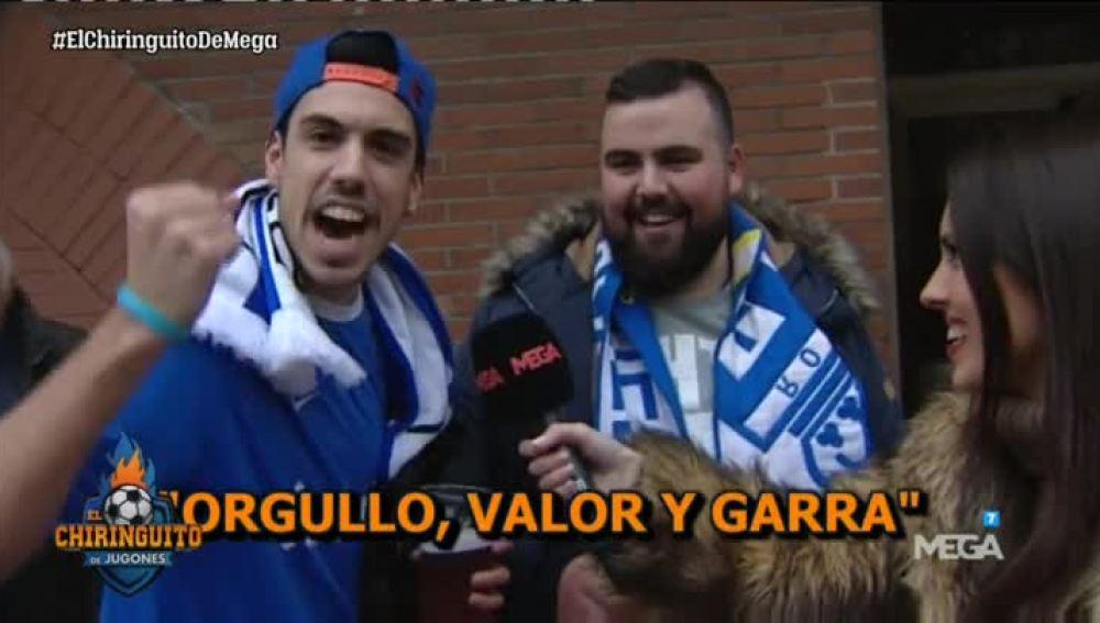 La afición del Oviedo no pierde la sonrisa