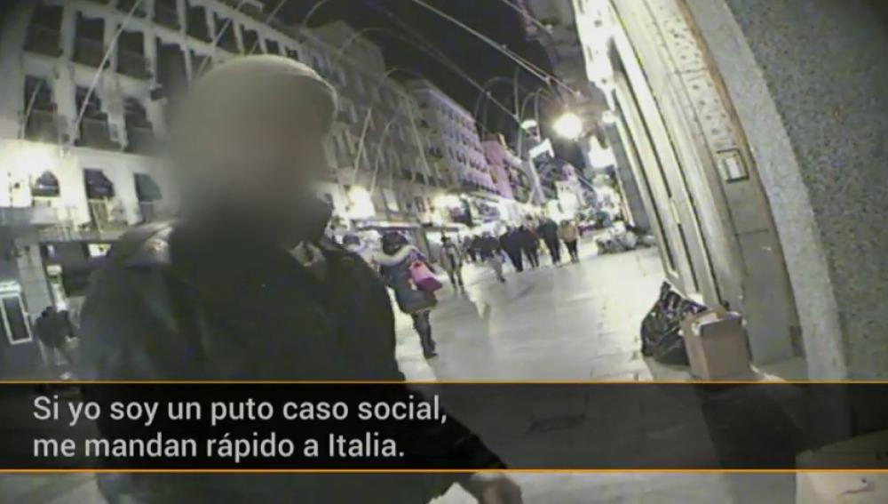 """Frame 194.656935 de: """"Estoy en la calle porque quiero. No tengo documentación"""""""