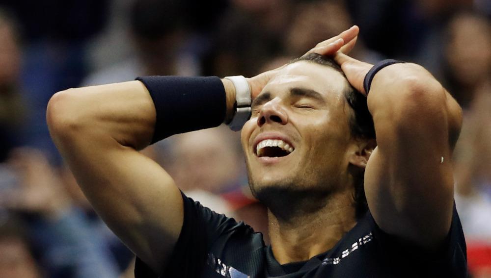 Rafa Nadal se lleva las manos a la cabeza tras ganar el US Open