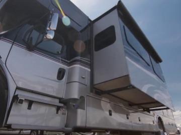 Una caravana elegante y grande para recorrer Texas