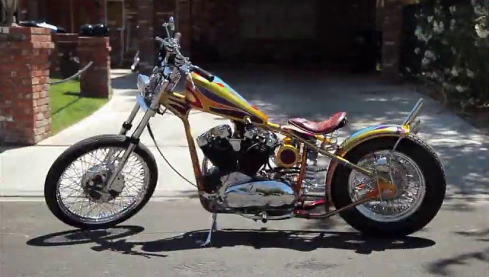 Frame 95.909014 de: Una moto a medida