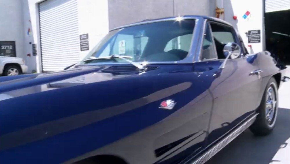 Frame 125.989021 de: Un Corvette de los que ya no quedan