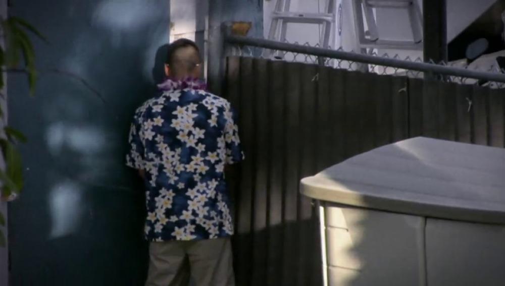 Frame 32.771555 de: Toni cuela a los amigos de Jordan en el Hawaii Yacht Club