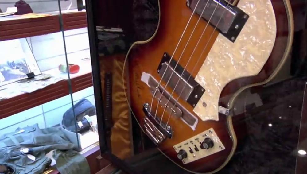 Quiere vender a Rick una colección de objetos de los Beatles ¿serán auténticos?